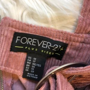 Forever 21 Dresses - Forever 21 1x NWT rose corderoy mod overall dress